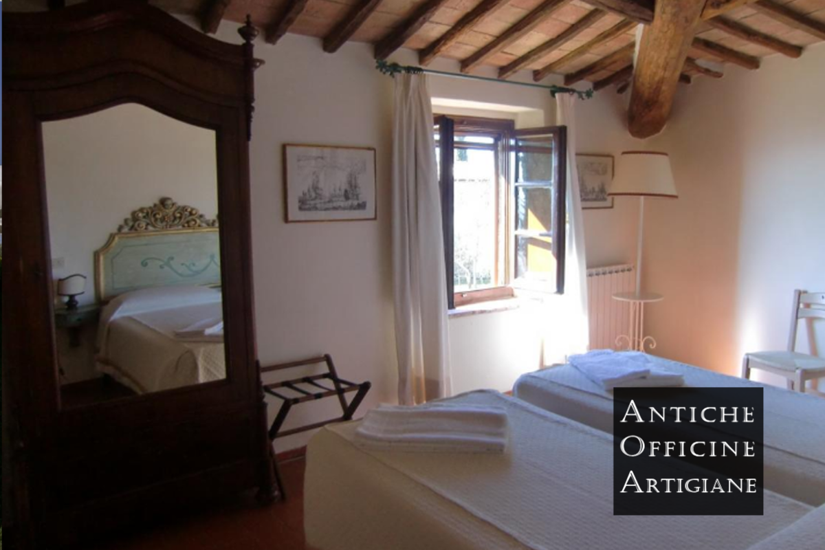 Arredamento casali toscani ristrutturazione e arredamento for Case antiche arredamento