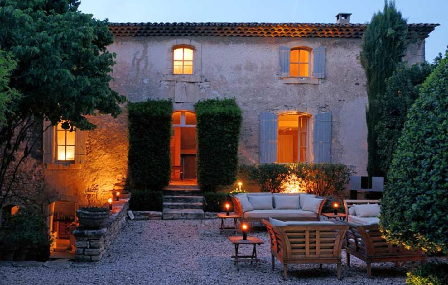 Restyling da casale classico a casale in stile provenzale